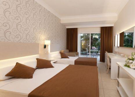 Hotelzimmer mit Volleyball im Club Mermaid Village