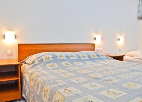 Hotelzimmer mit Volleyball im Suha Punta Ferienanlage