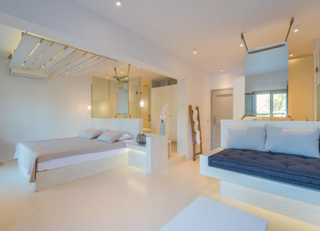 Hotelzimmer mit Volleyball im Sunrise Mykonos - Agrari Beach Hotel