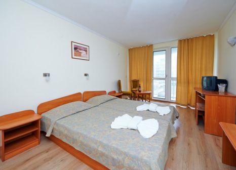 Hotelzimmer mit Mountainbike im Interhotel Pomorie