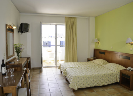 Hotelzimmer mit Minigolf im Lefkoniko Bay