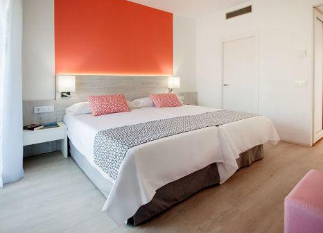 Hotelzimmer mit Mountainbike im Ola Hotel Maioris