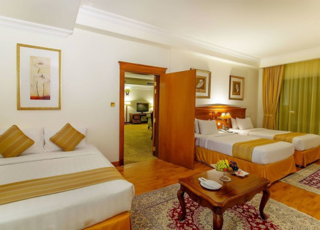 Hotelzimmer mit Golf im Grand Excelsior Hotel Bur Dubai
