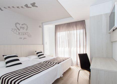Hotelzimmer mit Tischtennis im Hotel Sorra Daurada