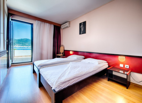 Hotelzimmer mit Minigolf im Hotel Issa