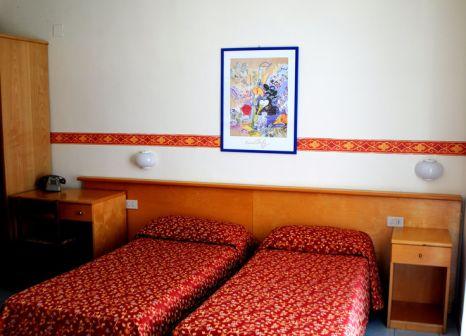 Hotelzimmer mit Mountainbike im Villa Athena