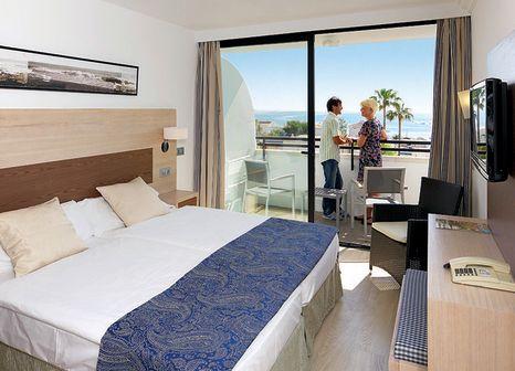 Hotelzimmer mit Volleyball im allsun Hotel Eden Alcudia