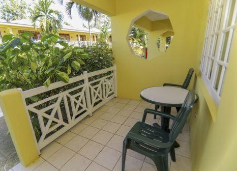 Hotelzimmer mit Tischtennis im Merril's Beach Resort lll