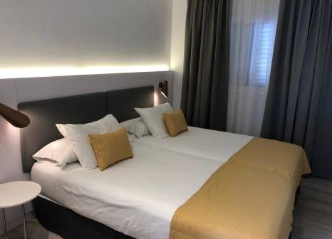 Hotelzimmer mit Mountainbike im Los Girasoles