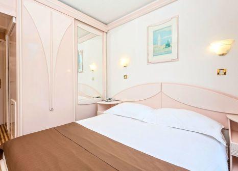 Hotelzimmer mit Minigolf im Hotel Zorna Plava Laguna