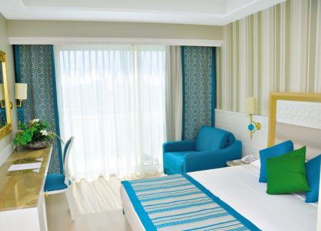 Hotelzimmer mit Tischtennis im Karmir Resort & Spa