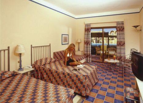 Hotelzimmer mit Volleyball im Sol y Mar Makadi Sun