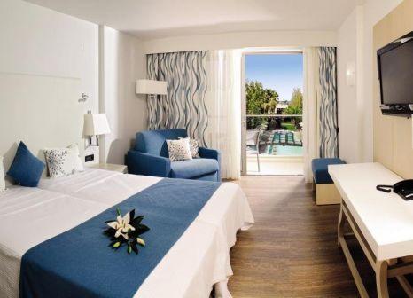 Hotelzimmer mit Mountainbike im Minos Mare Royal