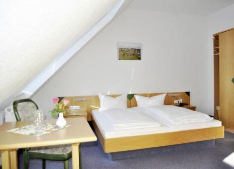 Hotelzimmer mit Tischtennis im Berghotel Drei Brüder Höhe