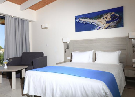 Hotelzimmer mit Volleyball im Labranda Blue Bay Resort