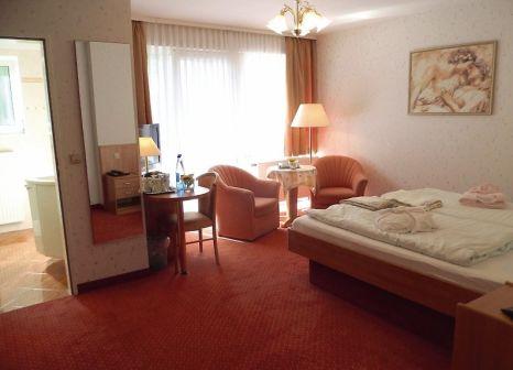 Hotelzimmer mit Tischtennis im Park-Kurhotel Weber-Müller