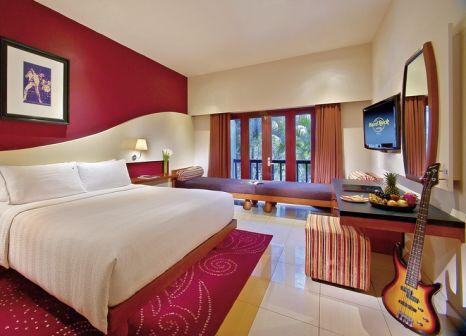 Hotelzimmer mit Tischtennis im Hard Rock Hotel Bali