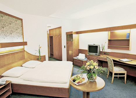 Hotelzimmer mit Golf im Göbel's Hotel Rodenberg