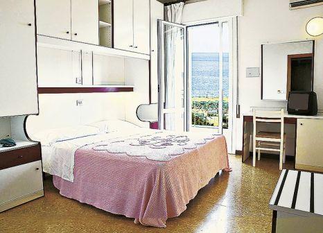 Hotelzimmer mit Tischtennis im Hotel Jadran
