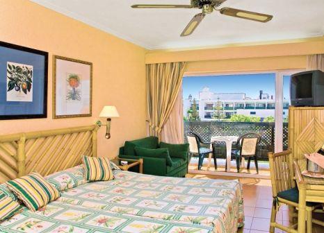 Hotelzimmer mit Mountainbike im Blue Sea Costa Bastian