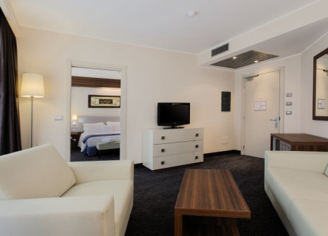 Hotelzimmer mit Tennis im DoubleTree by Hilton Hotel Olbia - Sardinia