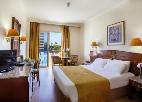Hotelzimmer mit Kinderbetreuung im Kapetanios Limassol Hotel