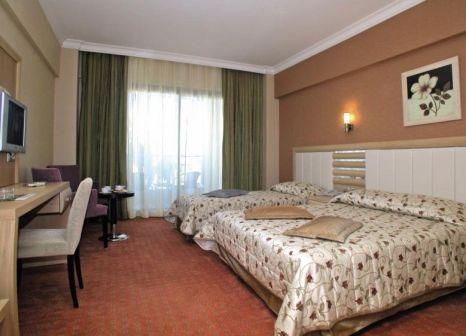 Hotelzimmer mit Tischtennis im Grand Pasa Hotel