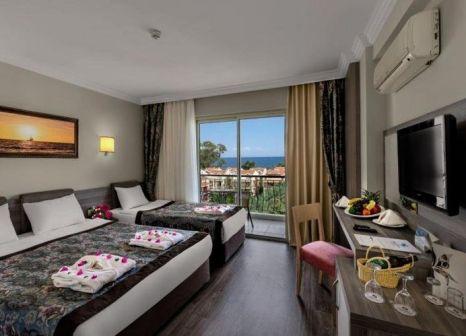 Hotelzimmer im Crystal Aura Beach Resort & Spa günstig bei weg.de