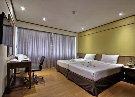 Hotelzimmer mit Hochstuhl im Narai