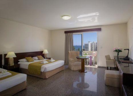 Hotelzimmer mit Tischtennis im Kapetanios Limassol Hotel
