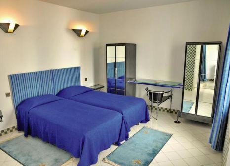 Hotelzimmer mit Volleyball im Hotel Tagadirt