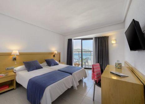 Hotelzimmer mit Tischtennis im Hotel Playsol San Remo
