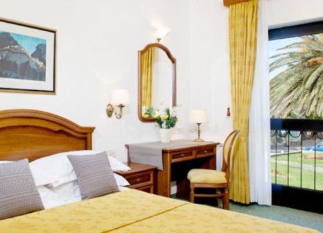 Hotelzimmer mit Volleyball im Bluesun Hotel Kaštelet