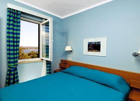 Hotelzimmer mit Volleyball im Naturist Park Koversada Villas & Apartements