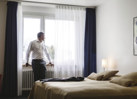 Hotelzimmer mit Tischtennis im Laudinella