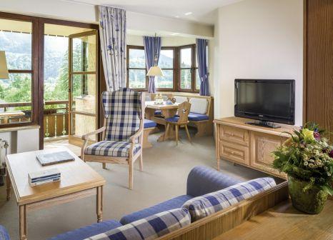 Hotelzimmer mit Mountainbike im Dorint Sporthotel Garmisch-Partenkirchen