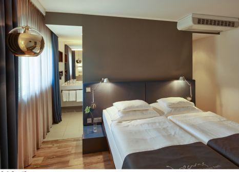 Hotelzimmer mit Pool im Roomz Graz