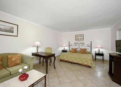 Hotelzimmer mit Volleyball im Iberostar Playa Alameda