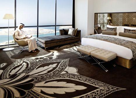 Hotelzimmer mit Yoga im Jumeirah at Etihad Towers
