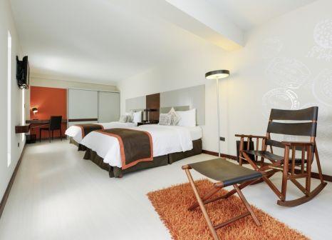 Hotelzimmer mit Whirlpool im Auténtico Hotel