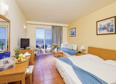 Hotelzimmer mit Volleyball im Horizon Beach Resort