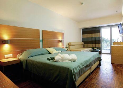 Hotelzimmer mit Yoga im Bluesun Hotel Soline