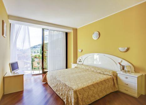 Hotelzimmer mit Tischtennis im Hotel Garda