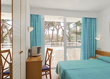 Hotelzimmer mit Volleyball im Club Hotel Cala Ratjada