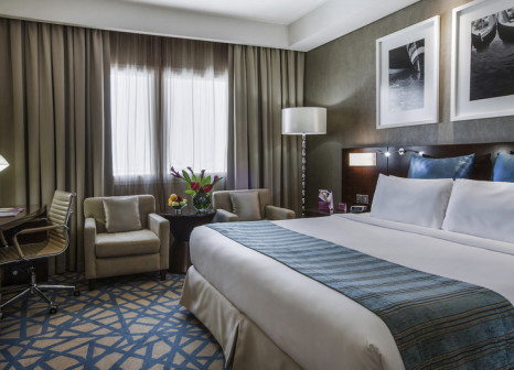 Hotelzimmer im Crowne Plaza Dubai Deira günstig bei weg.de