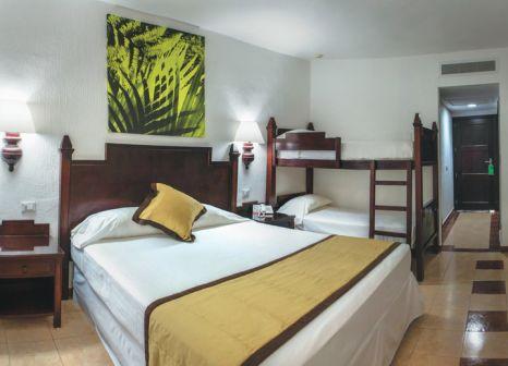Hotelzimmer mit Mountainbike im Hotel Riu Lupita