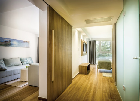 Hotelzimmer mit Volleyball im Valamar Girandella - Family Hotel