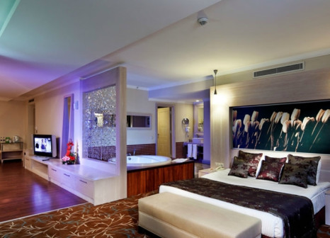Hotelzimmer mit Mountainbike im Orange County Resort Hotel Kemer