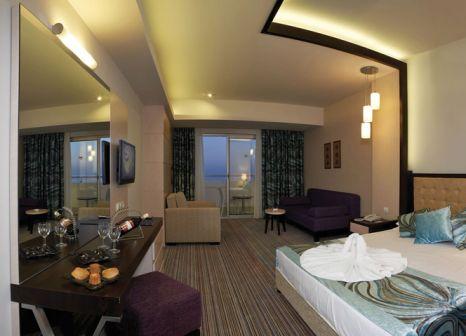 Hotelzimmer mit Volleyball im Orange County Resort Hotel Alanya
