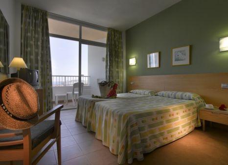 Hotelzimmer mit Volleyball im Bless Hotel Ibiza